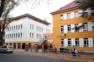 Schulgebäude Falkentaler Steig in Berlin
